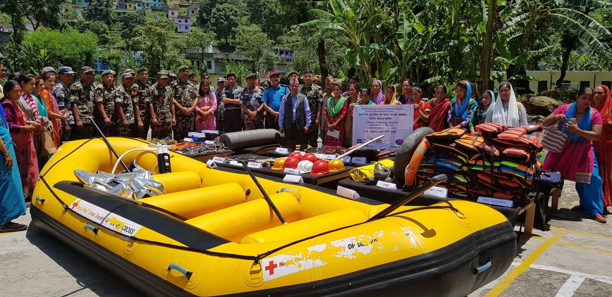 Exhibition of materials used in disaster management for members of the local level search rescue committee